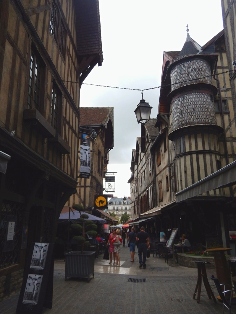 troyes 4